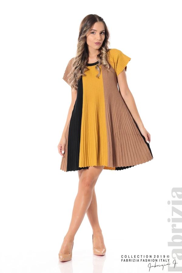 Къса плисирана рокля горчица 3 fabrizia