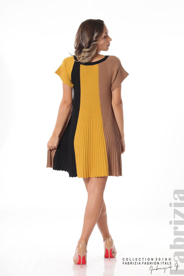 Къса плисирана рокля горчица 4 fabrizia