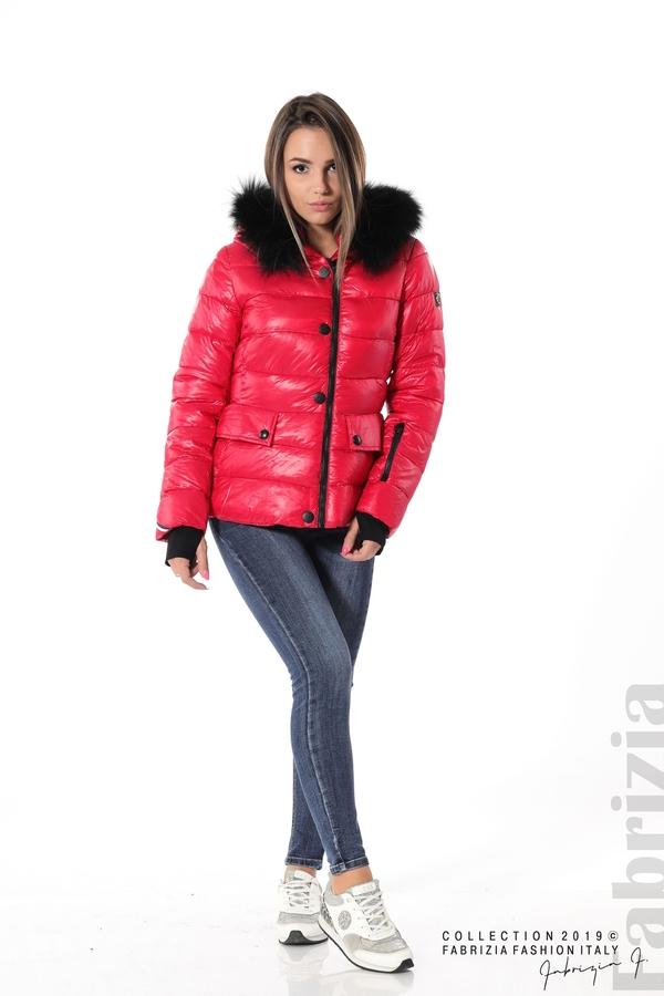 Късо зимно яке с качулка естествен косъм червен 3 fabrizia