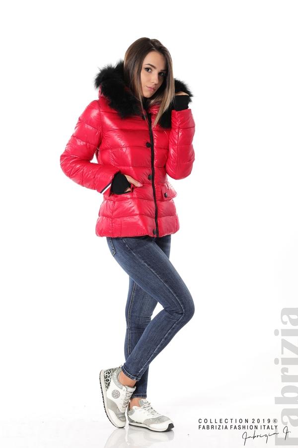 Късо зимно яке с качулка естествен косъм червен 2 fabrizia
