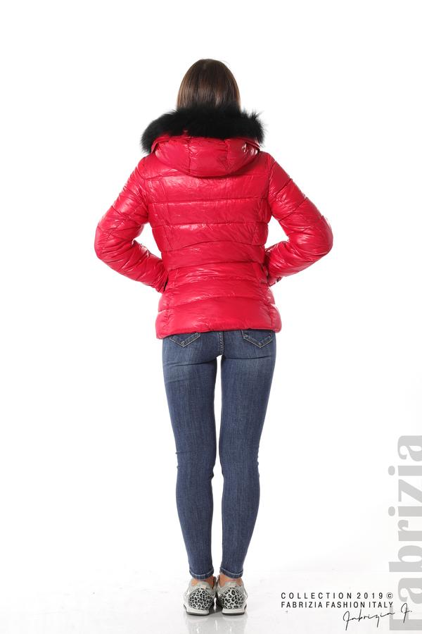 Късо зимно яке с качулка естествен косъм червен 4 fabrizia