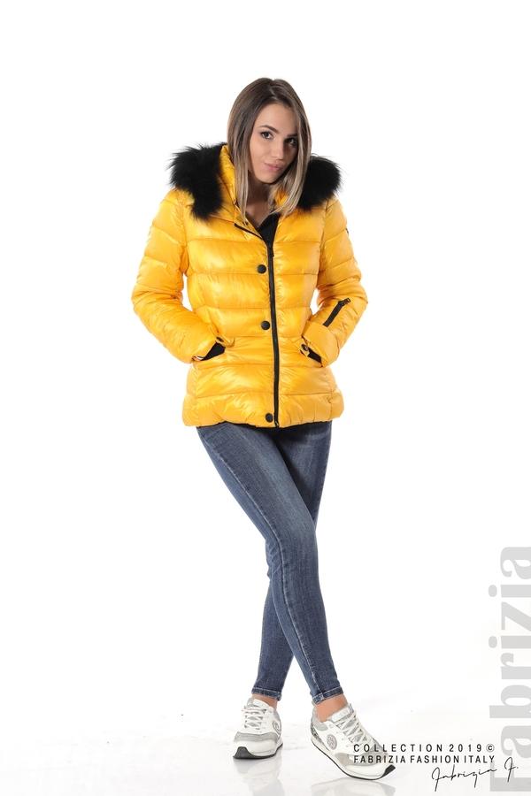 Късо зимно яке с качулка естествен косъм жълт 2 fabrizia