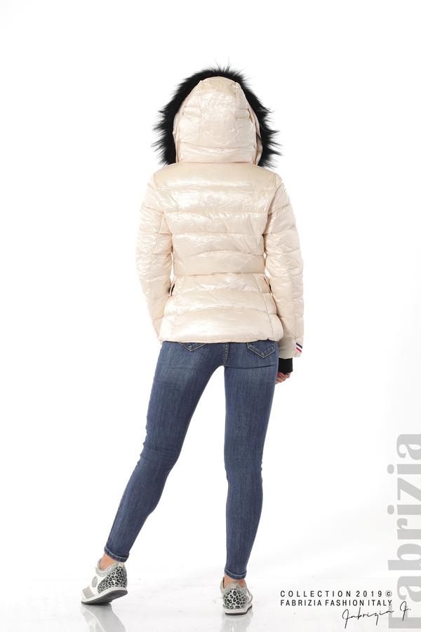 Късо зимно яке с качулка естествен косъм черен 4 fabrizia