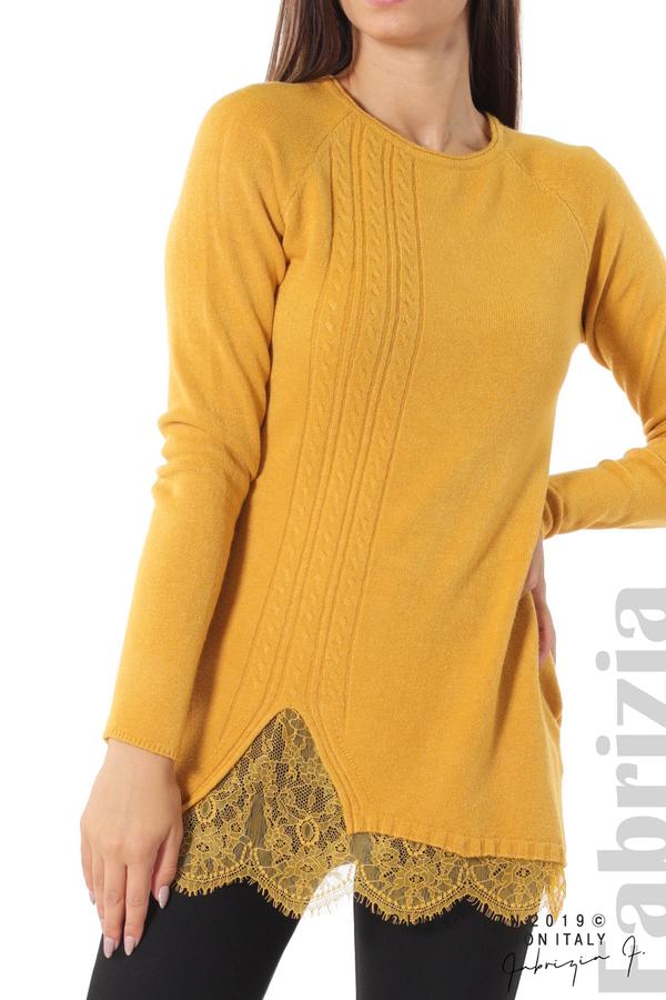 Дълга дамска блуза с дантела охра 3 fabrizia