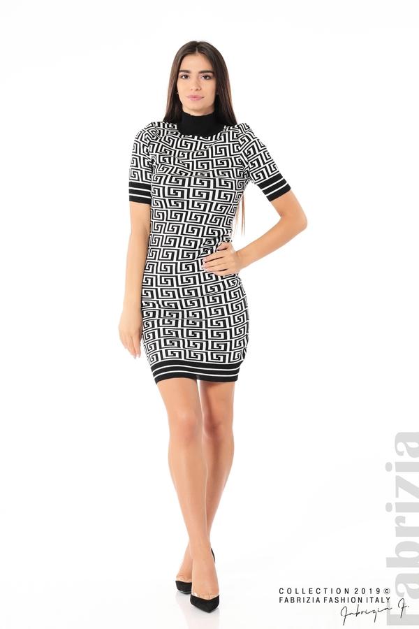 Къса фигурална дамска рокля черен/бял 2 fabrizia