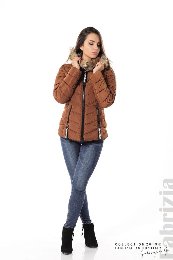 Дамско яке с качулка с естествен пух-кафяв-2-Fabrizia
