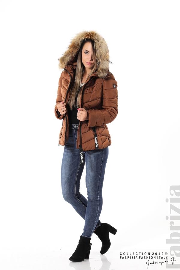 Дамско яке с качулка с естествен пух-кафяв-4-Fabrizia