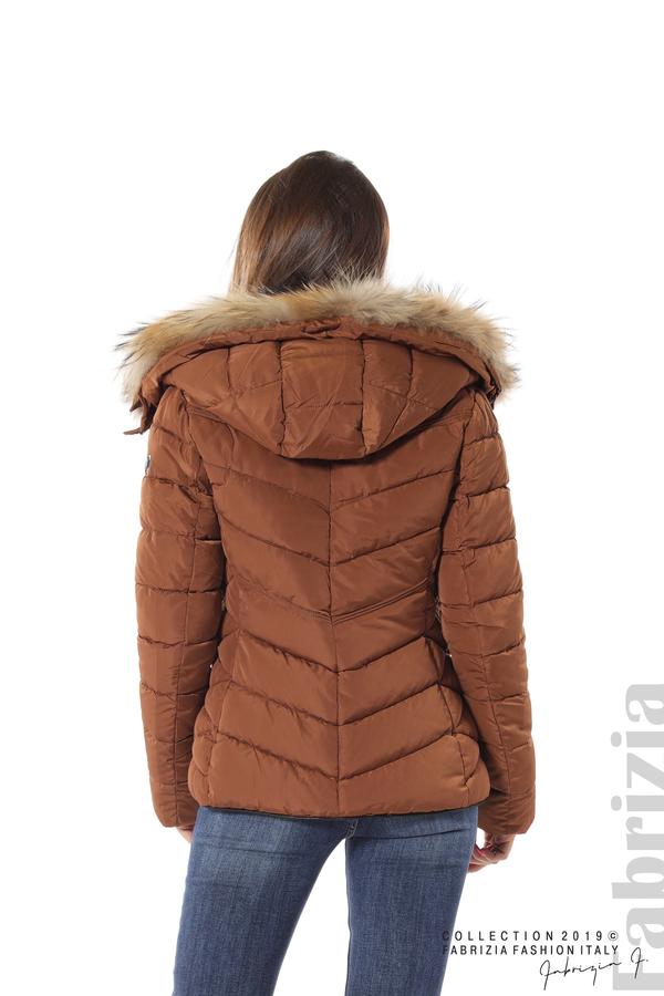 Дамско яке с качулка с естествен пух-кафяв-6-Fabrizia