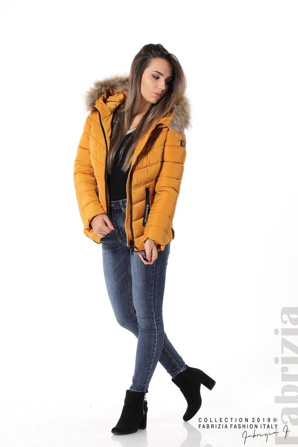 Дамско яке с качулка с естествен пух-охра-3-Fabrizia