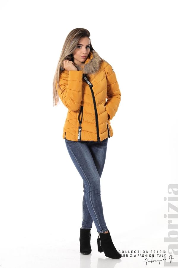 Дамско яке с качулка с естествен пух-охра-1-Fabrizia