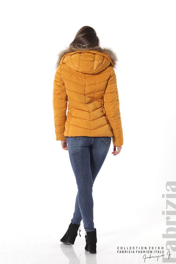 Дамско яке с качулка с естествен пух-охра-4-Fabrizia