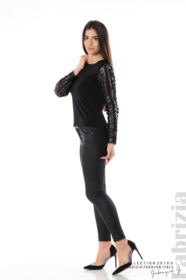 Блуза с пайети и кожени цветя черен 2 fabrizia