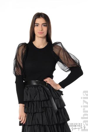 Вталена блуза с тюлени ръкави