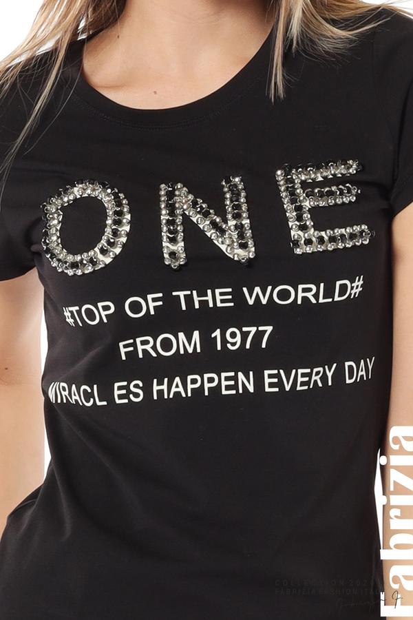 Дамска блуза с надпис One черен 3 fabrizia