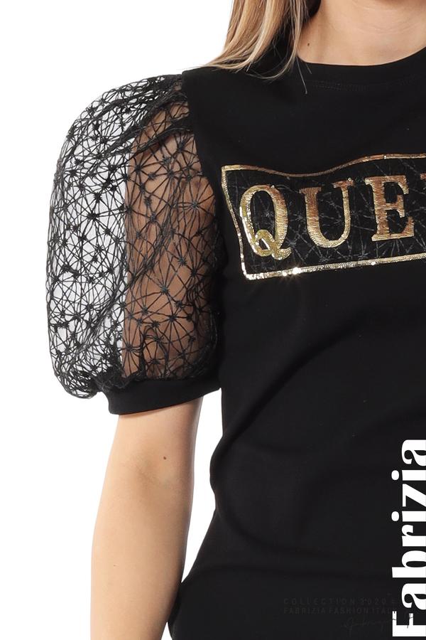 Рокля с надпис Queen и буфан ръкави черен 5 fabrizia