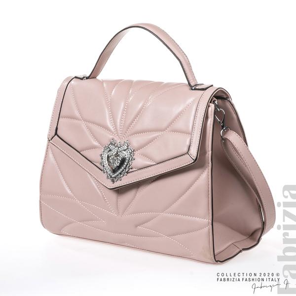 Чанта със сребристо сърце на капака розов 1 fabrizia