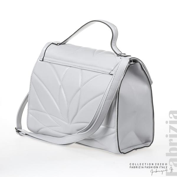 Чанта със сребристо сърце на капака сив 1 fabrizia