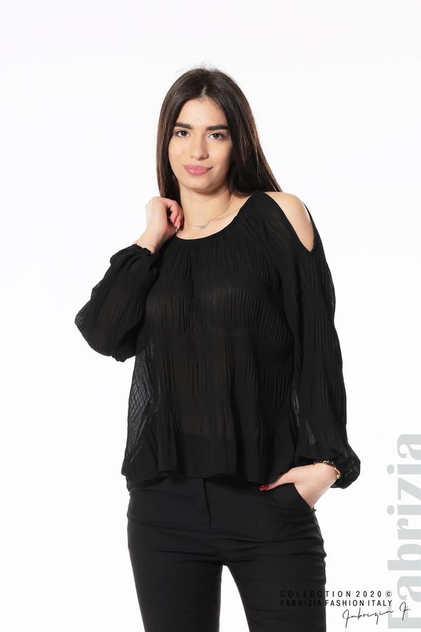 Блуза с прорези на раменете черен 2 fabrizia