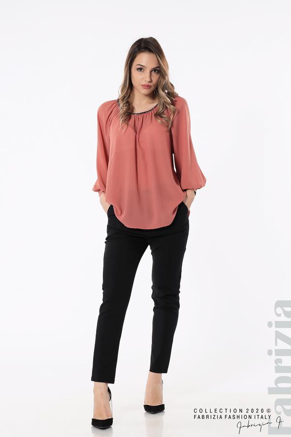 Блуза с акцент на деколтето пепел от рози 3 fabrizia