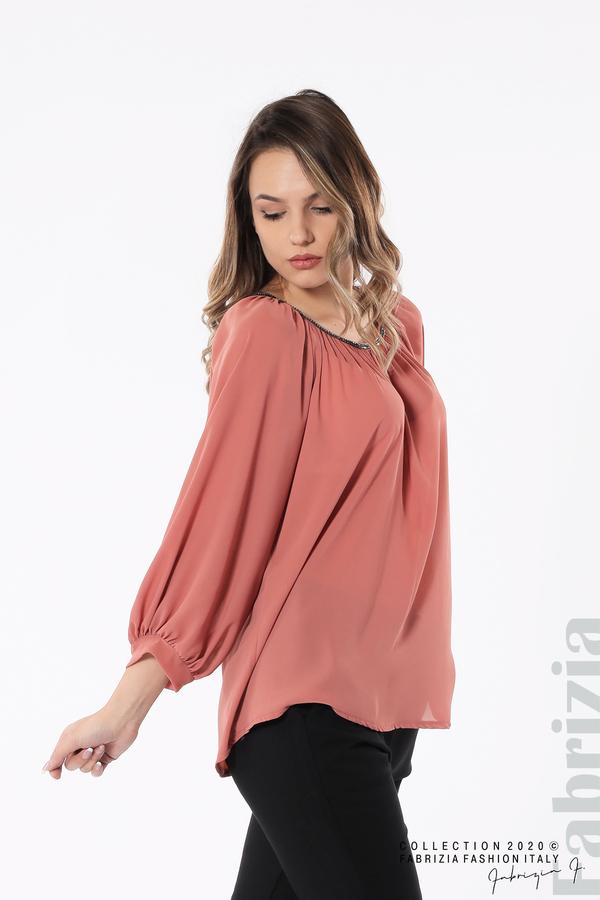 Блуза с акцент на деколтето пепел от рози 2 fabrizia