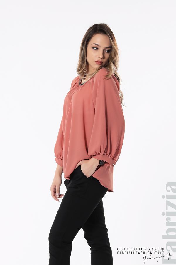 Блуза с акцент на деколтето пепел от рози 4 fabrizia