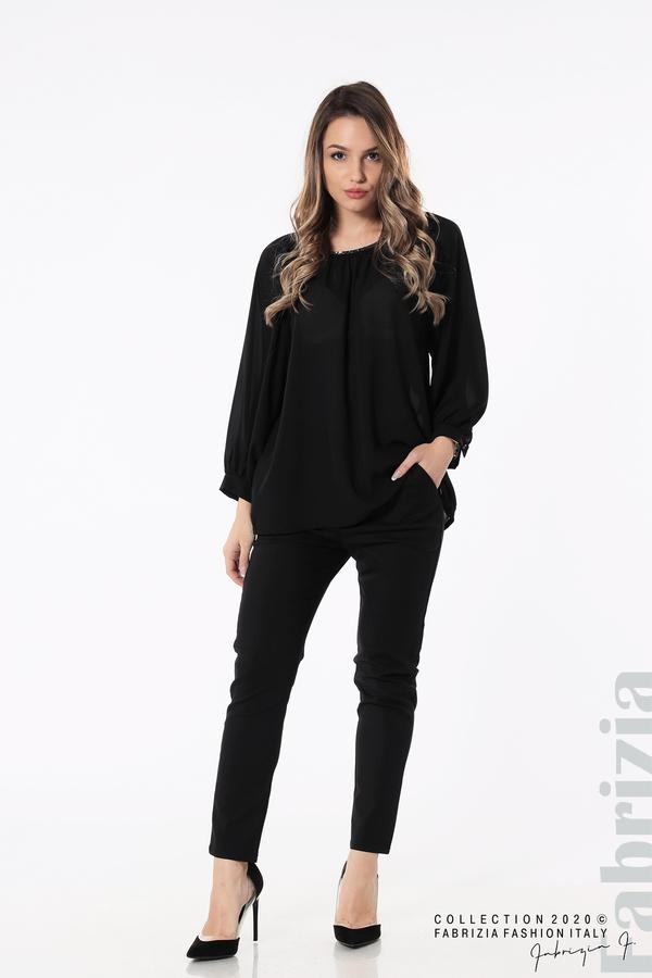 Блуза с акцент на деколтето пепел от черен 3 fabrizia