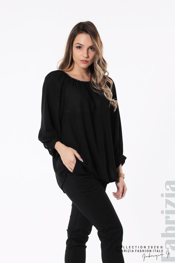 Блуза с акцент на деколтето пепел от черен 2 fabrizia
