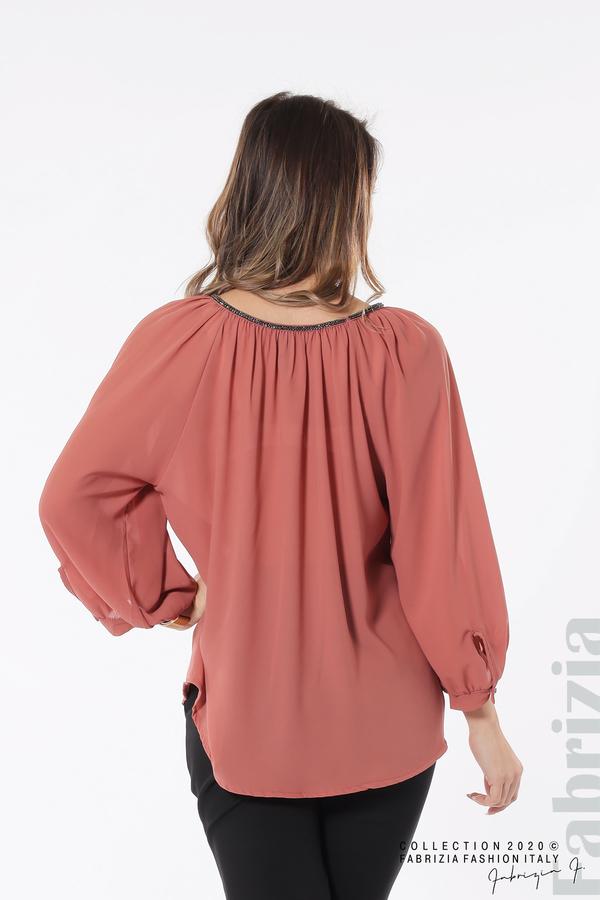 Блуза с акцент на деколтето пепел от рози 5 fabrizia