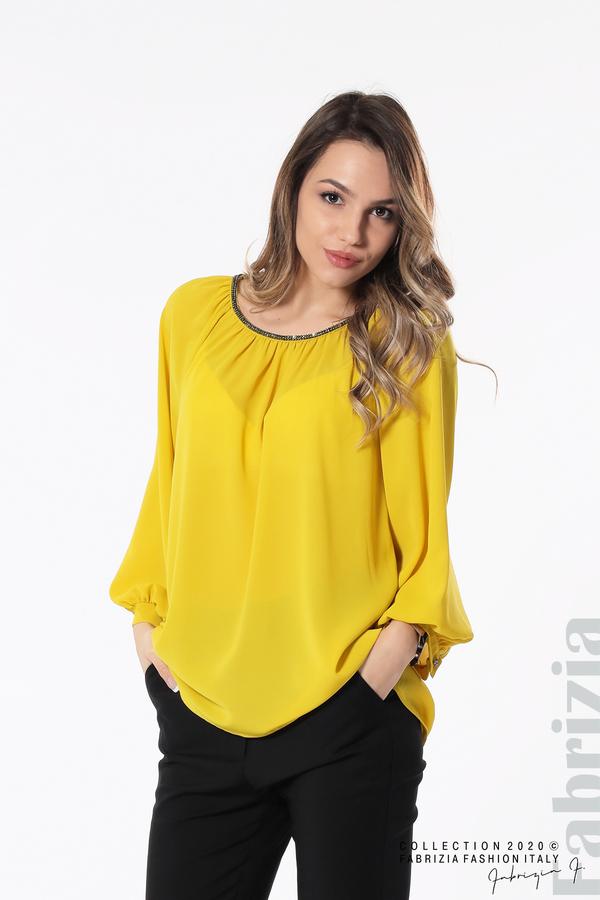 Блуза с акцент на деколтето пепел от жълт 1 fabrizia