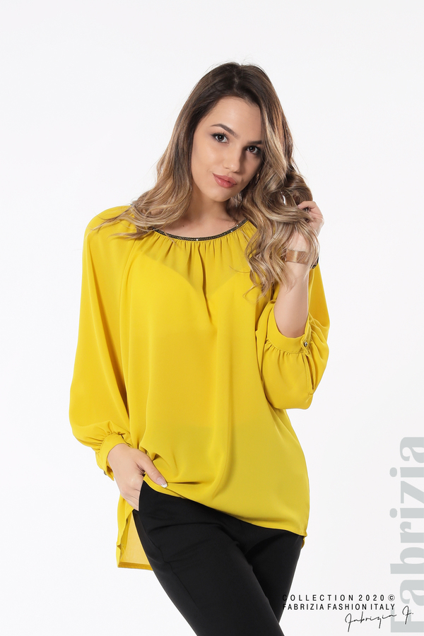 Блуза с акцент на деколтето пепел от жълт 3 fabrizia