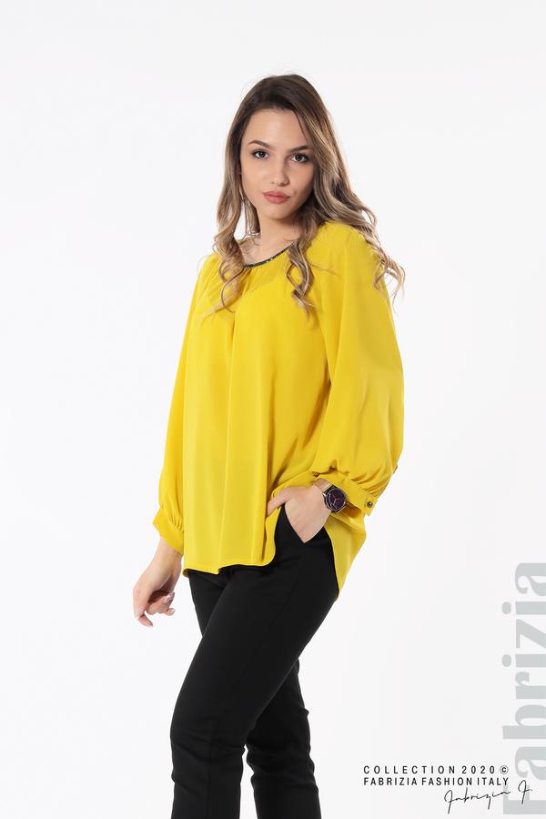 Блуза с акцент на деколтето пепел от жълт 2 fabrizia