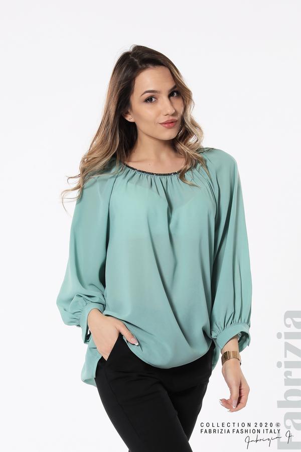 Блуза с акцент на деколтето пепел от бл.зелен 1 fabrizia