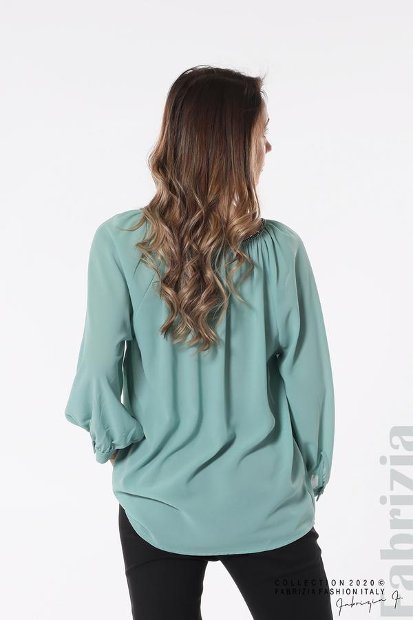 Блуза с акцент на деколтето пепел от бл.зелен 5 fabrizia