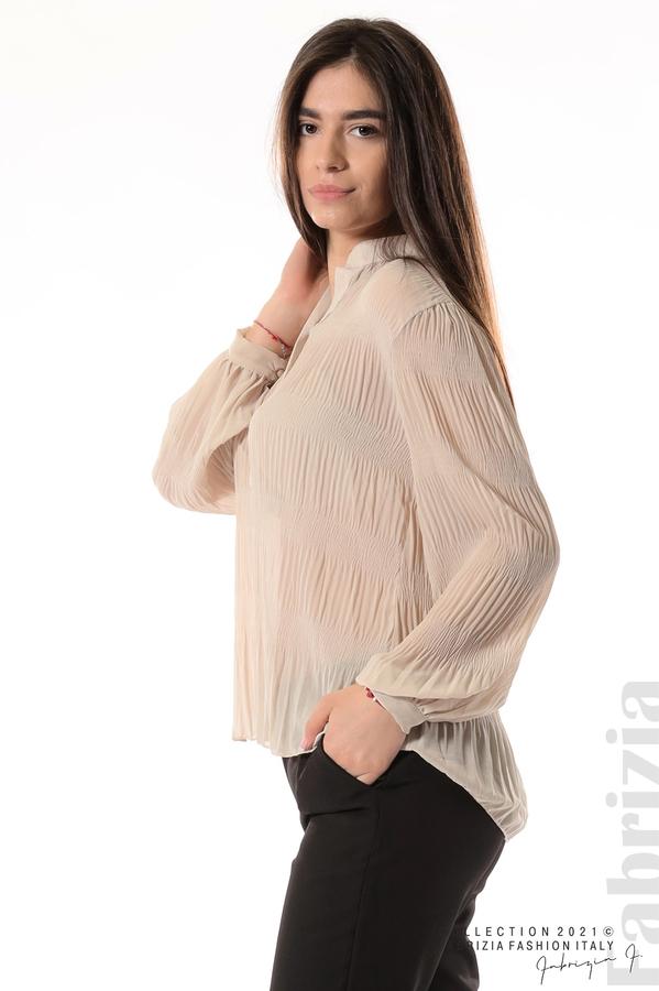 Ефирна блуза със свободен силует бежов 3 fabrizia