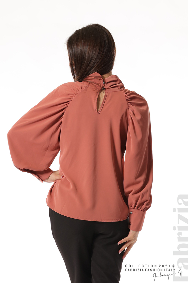 Елегантна блуза с висока яка и широки ръкави корал 6 fabrizia