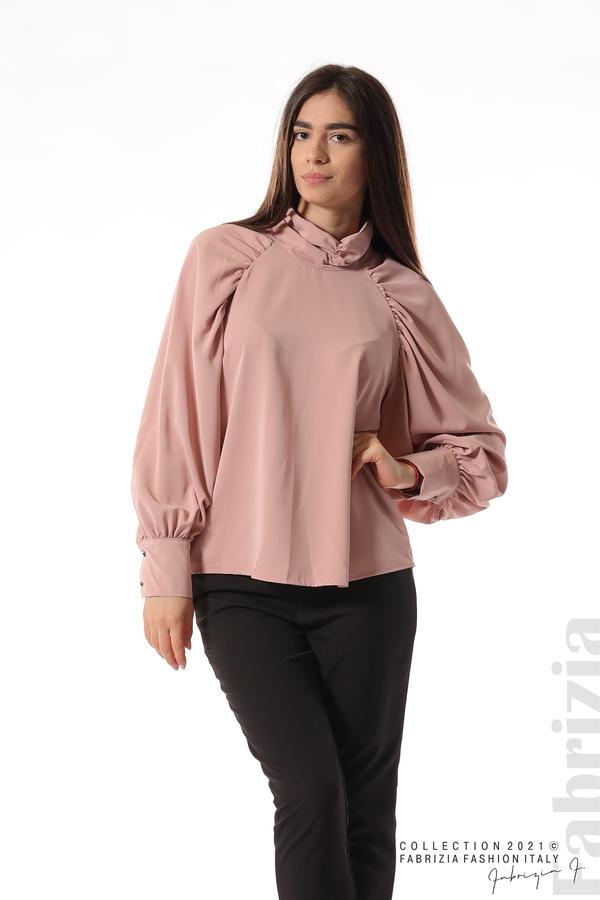 Елегантна блуза с висока яка и широки ръкави пепел от рози 2 fabrizia