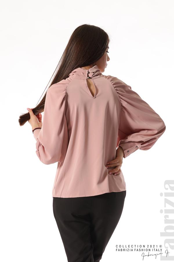 Елегантна блуза с висока яка и широки ръкави пепел от рози 6 fabrizia