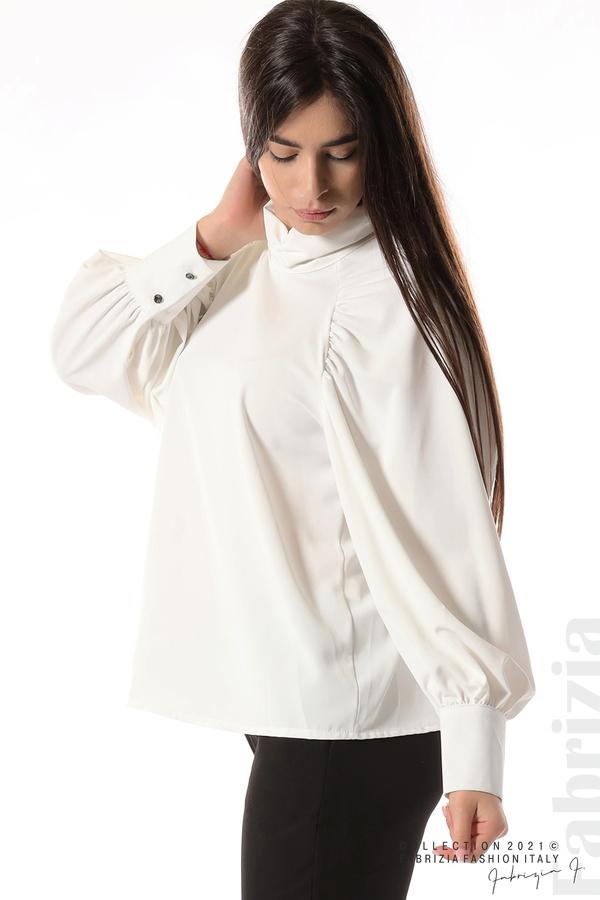 Елегантна блуза с висока яка и широки ръкави бял 3 fabrizia