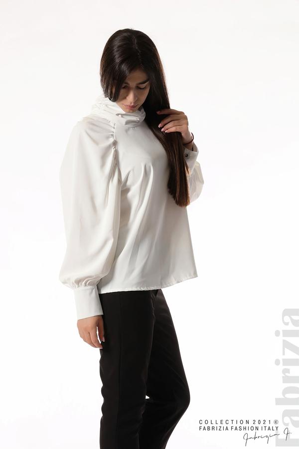 Елегантна блуза с висока яка и широки ръкави бял 5 fabrizia