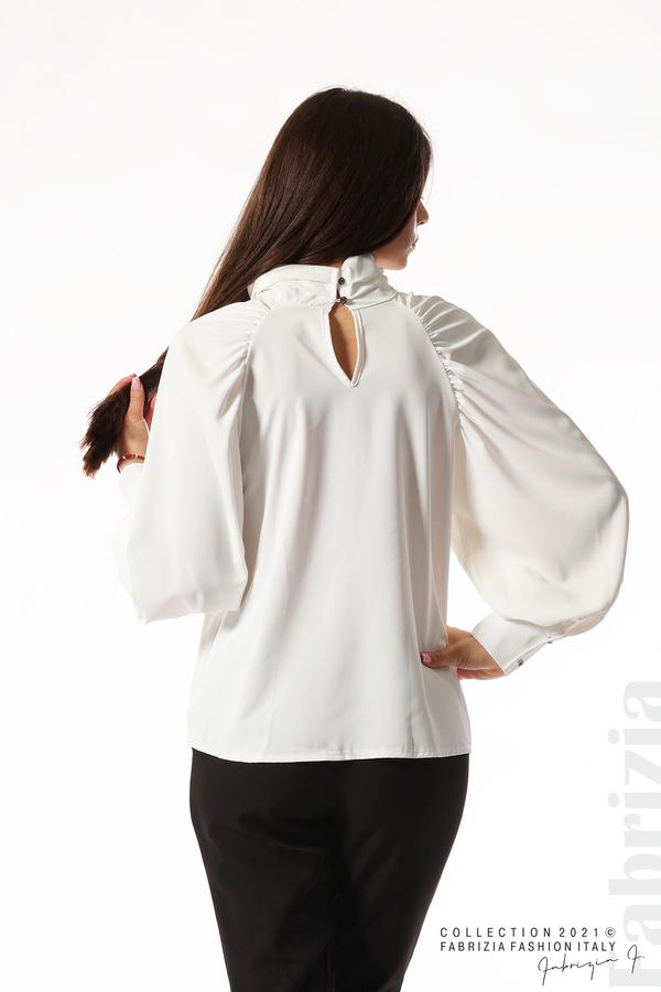 Елегантна блуза с висока яка и широки ръкави бял 6 fabrizia