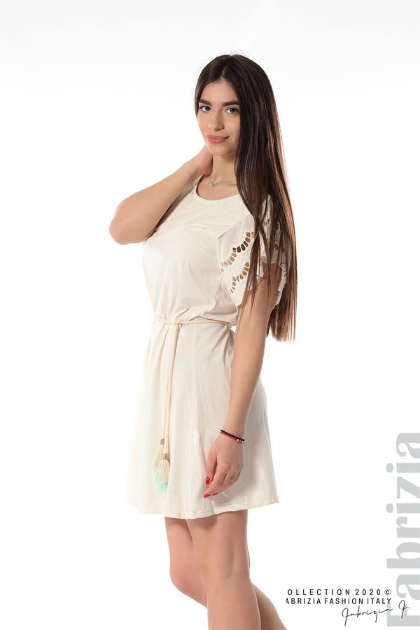 Къса рокля с колан и ефектни ръкави екрю 2 fabrizia