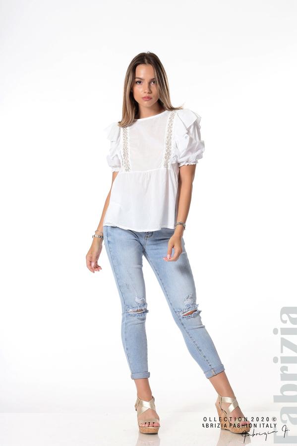 Блуза с дантелени елементи и волани бял 4 fabrizia