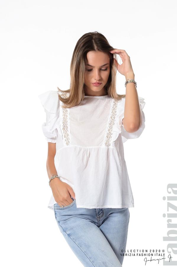 Блуза с дантелени елементи и волани бял 1 fabrizia