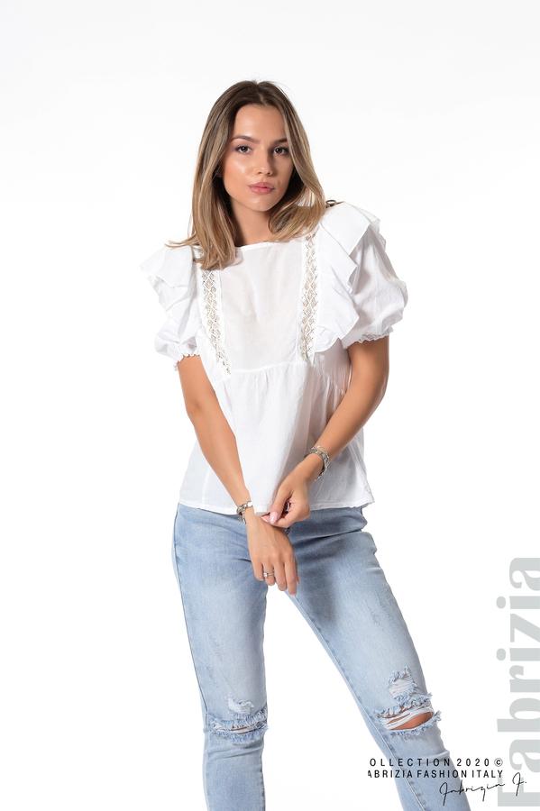 Блуза с дантелени елементи и волани бял 2 fabrizia