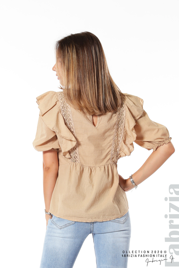 Блуза с дантелени елементи и волани бежов 5 fabrizia