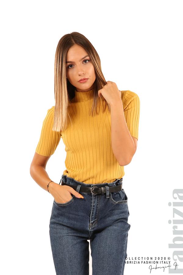 Блуза с орнамент и къси ръкави-охра-1