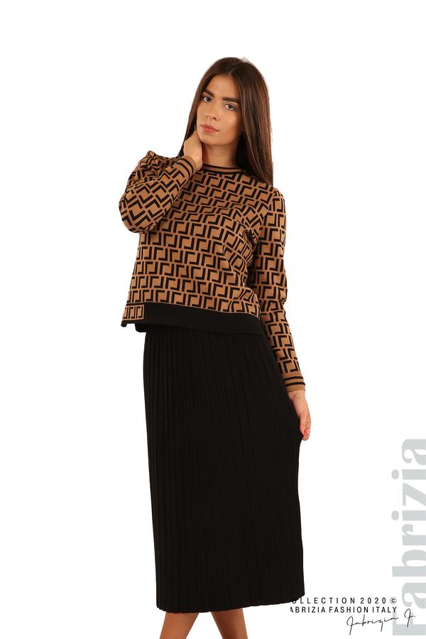 Комплект от фигурална блуза и плисирана пола-камел/черен-1