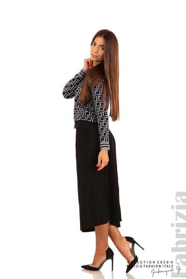 Комплект от фигурална блуза и плисирана пола-черен/св.син-4