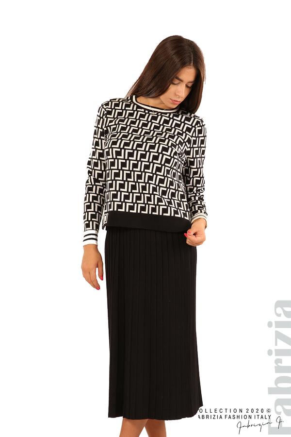 Комплект от фигурална блуза и плисирана пола-черен/бял-2