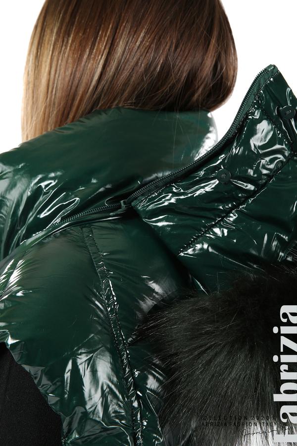 Лъскава грейка с качулка и пух-т.зелен-7